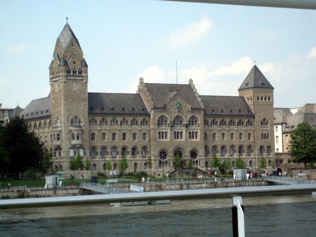 Ehem. preußisches Regierungsgebäude